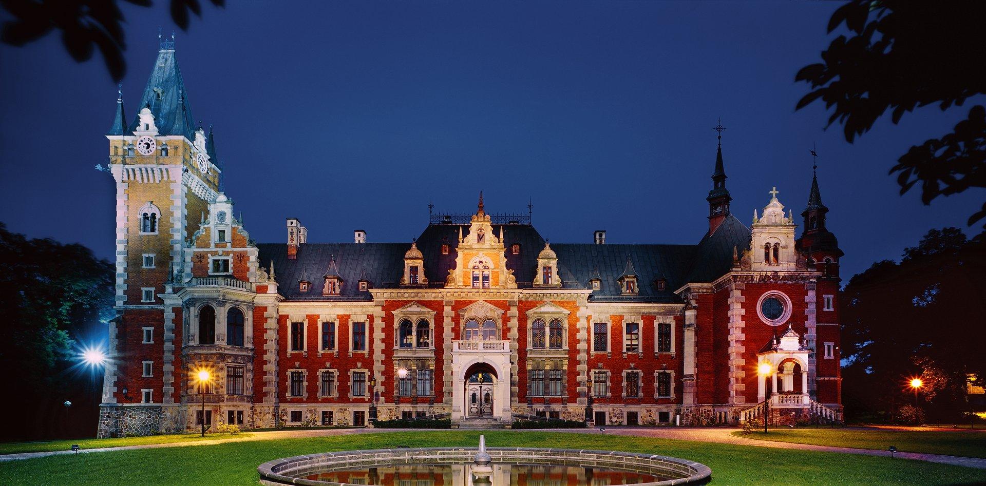 Znalezione obrazy dla zapytania pałac w pławniowicach